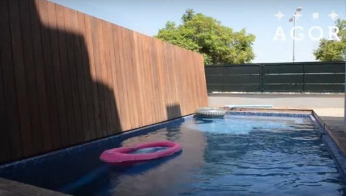 Полноценный бассейн.