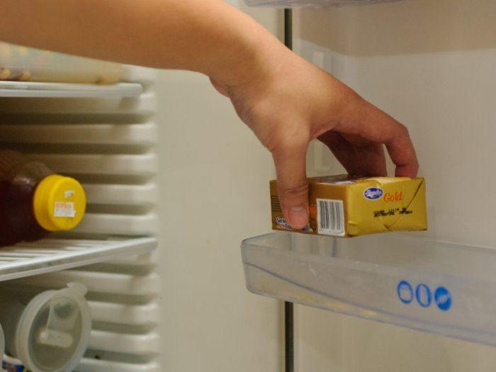 Как размягчить сливочное масло из холодильника.