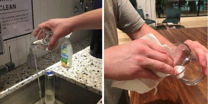 Прогревание стакана горячей водой.