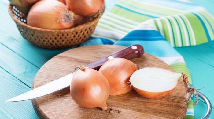 Подсолнечное масло удаляет неприятные запахи с различных поверхностей.