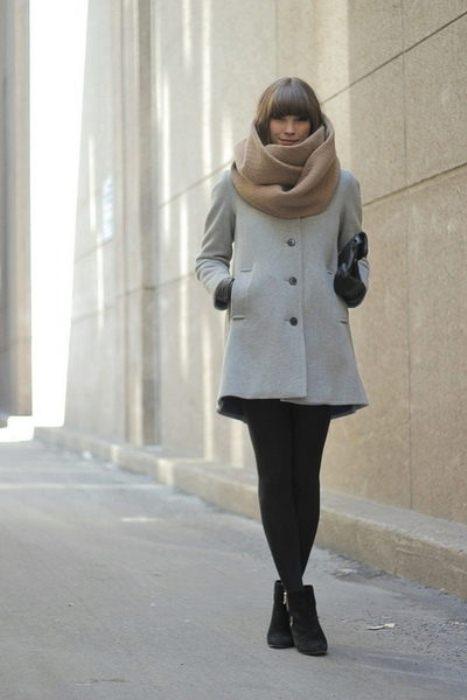 Шарф-снуд - любимый аксессуар модниц.