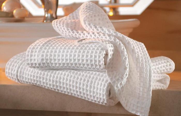 Кухонным полотенцам легко вернуть белизну и свежесть.
