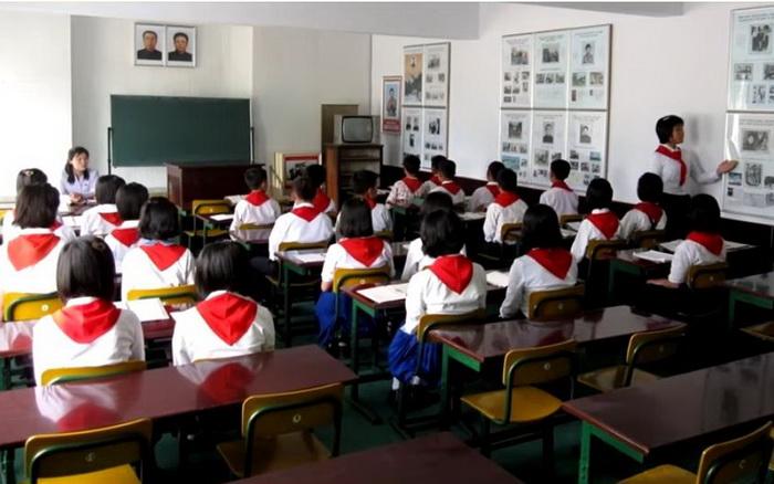 Школьники в Северной Корее.
