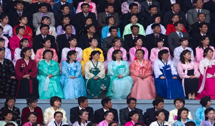 Женская мода в Северной Корее строго регламентирована.