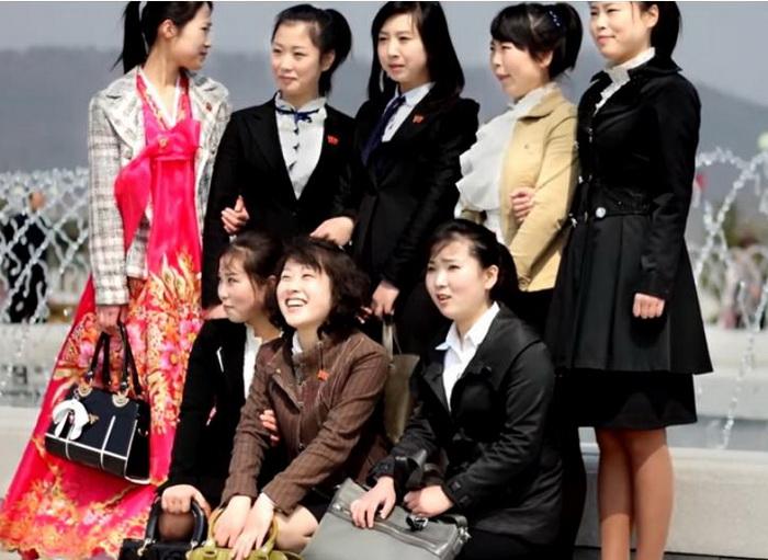Платья и юбки - повседневная одежда кореянок.