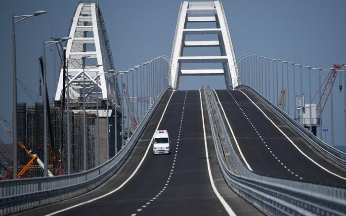 Крымский мост: Стройка века завершена досрочно.