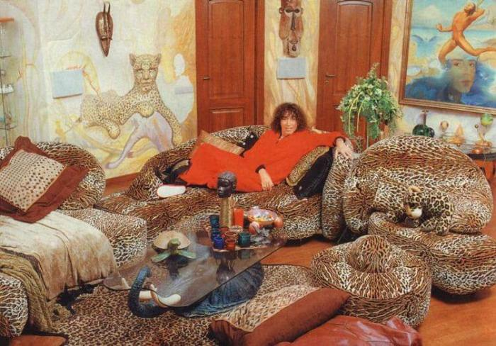 Музыкант обожает леопардовый стиль.