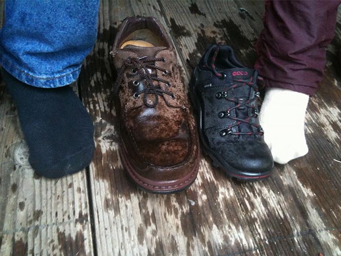 Как правильно сушить промокшие ботинки.
