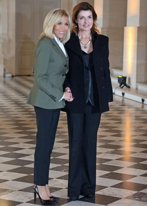 Брижит Макрон и Марина Порошенко: брючные костюмы всегда приковывают внимание.