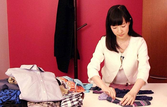 Мари Кондо - эксперт в вопросах уборки из Японии.