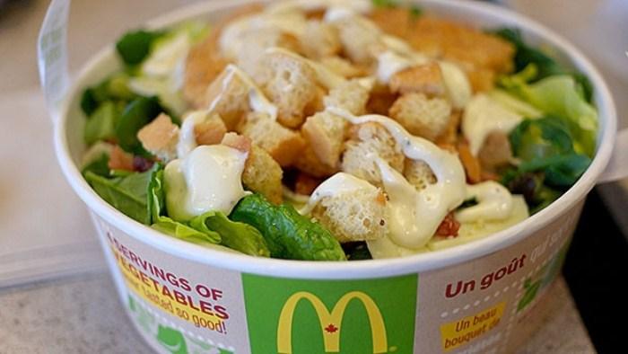 Калорийный салат из McDonald`s.