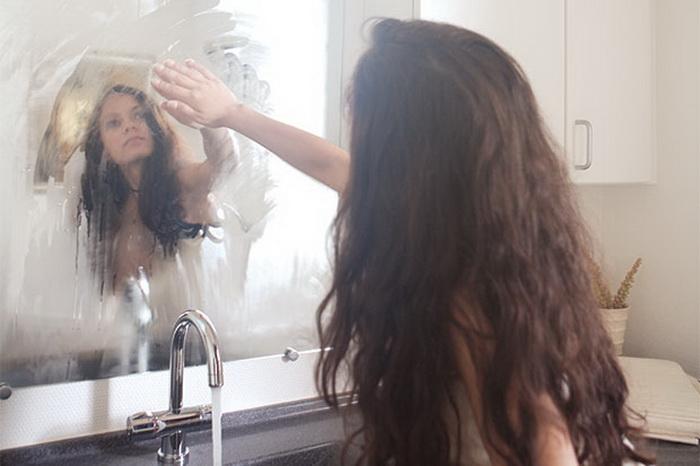 Как избавиться от проблемы запотевшего зеркала в ванной.