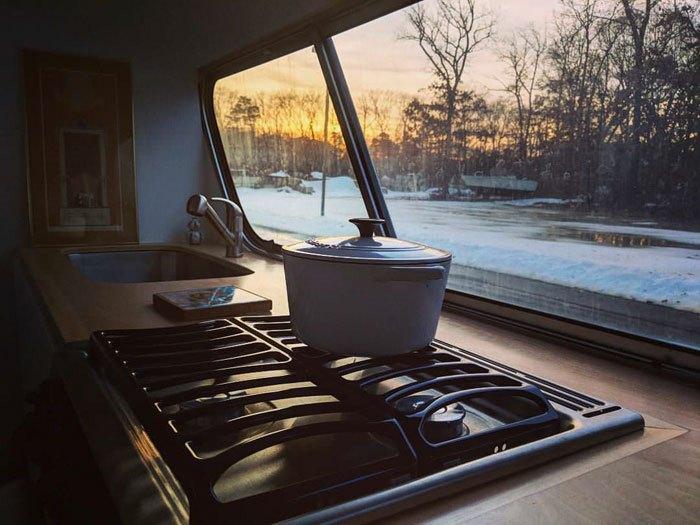 Вид из кухни.