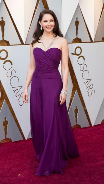Эшли Джадд в фиолетовом платье от Badgley Mischka.