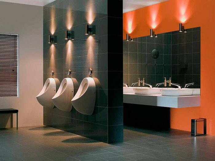 Писсуары установят в общественных местах, чтобы сократить очереди в женские туалеты.