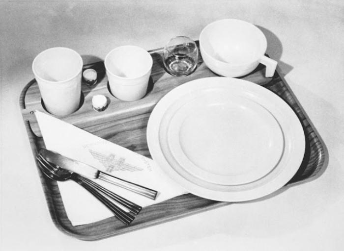 Посуда для сервировки стола.