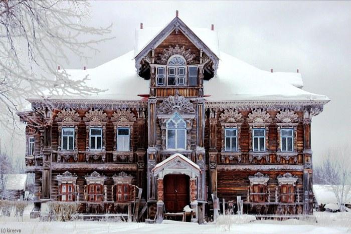 Дом землевладельца Поляшова, построенный в 1903 г., сохранился до наших дней.
