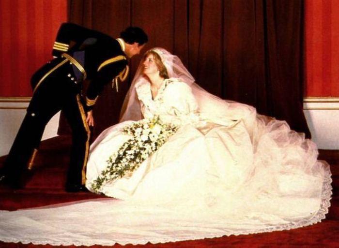 Леди Ди и принц Чарльз. Свадебная фотография.