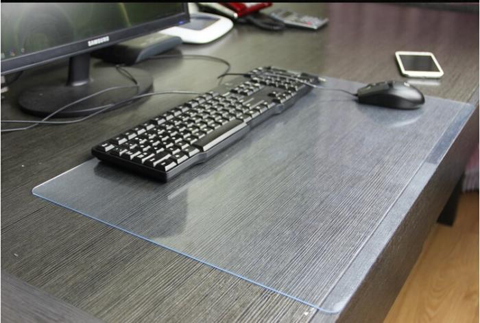 Оргстекло для рабочего стола.