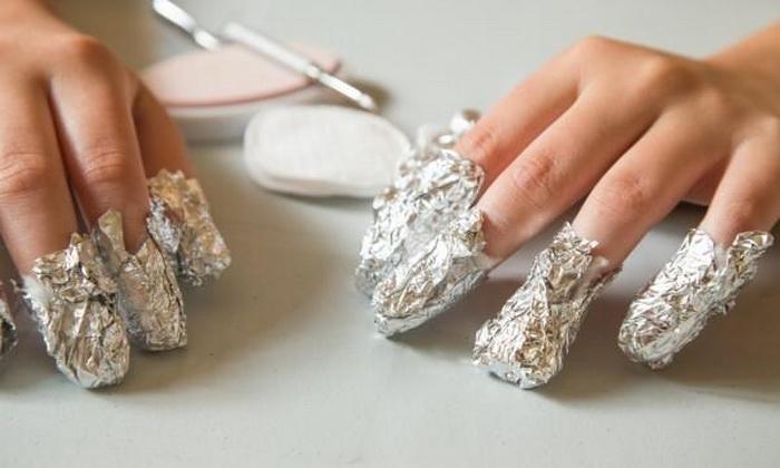 Накладки с ацетоном для ногтей.