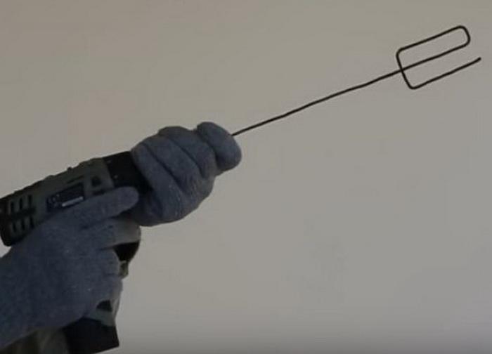 Аналог строительного миксера для размешивания лаков и красок.