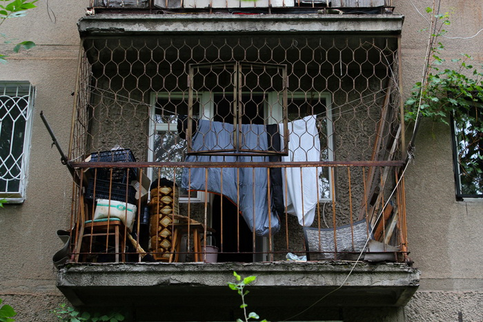 На балконе что только не хранится.