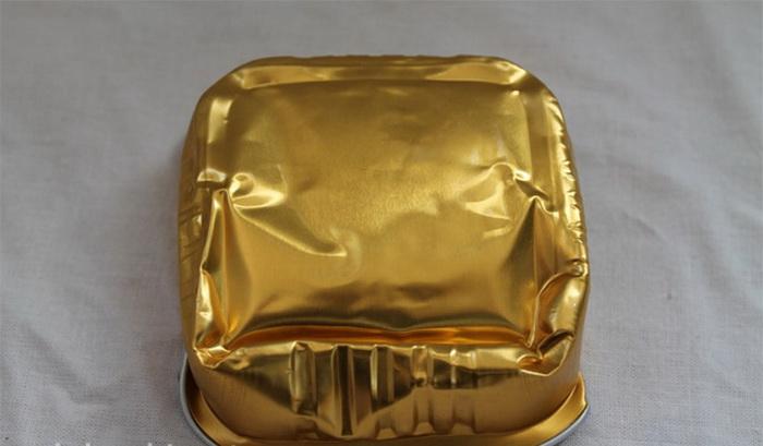 Деформированная упаковка - знак того, что продукт хранился или транспортировался с нарушениями правил. |Фото: edobavki.net