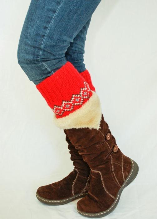 Стильные гетры из старого свитера.