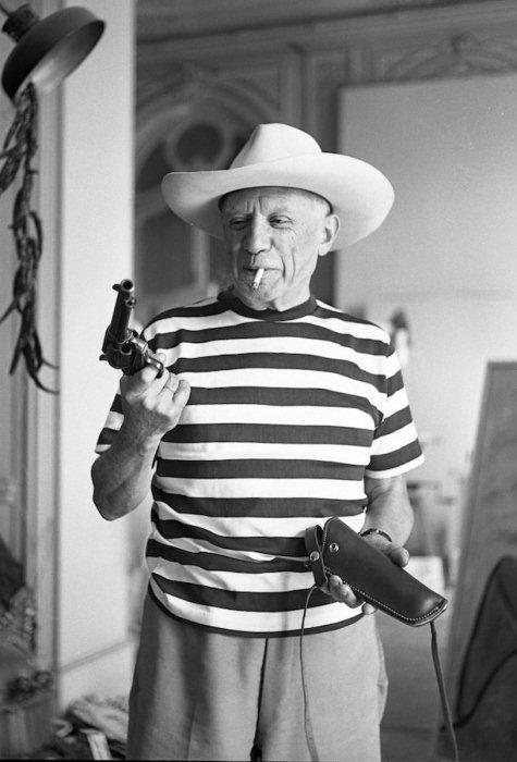 Пабло Пикассо в тельняшке, ок. 1952 г.