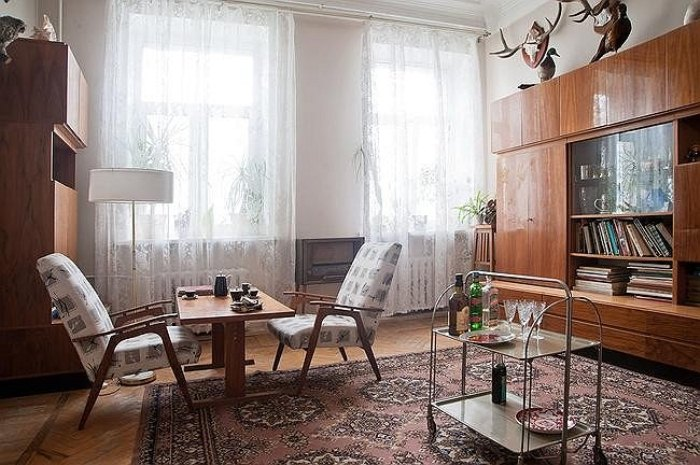 Комната с советским интерьером.
