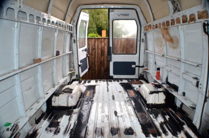 Так грузовик выглядел перед началом ремонта.