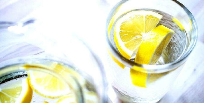 Лимонный сок может помочь людям с диабетом. /Фото: aqreqator.az