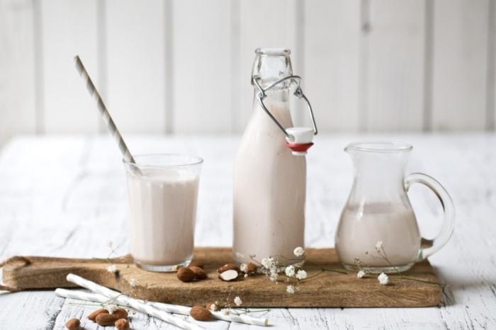 Долой хитрые маркетинговые уловки, молоко — это вред. /Фото: img2.hochu.ua