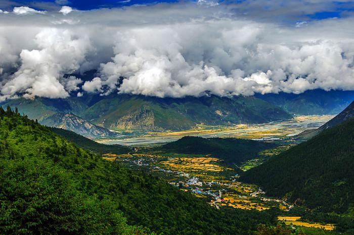 Каньон Цангпо – самый глубокий на планете. /Фото: hichinatrip.com
