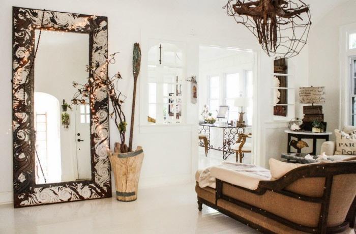 Одно зеркало способно кардинально переменить комнату. /Фото: 2.bp.blogspot.com