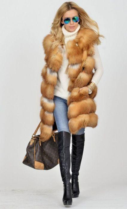 Меховой жилет из натурального меха — отличное решение для прохладной погоды. /Фото: i.pinimg.com
