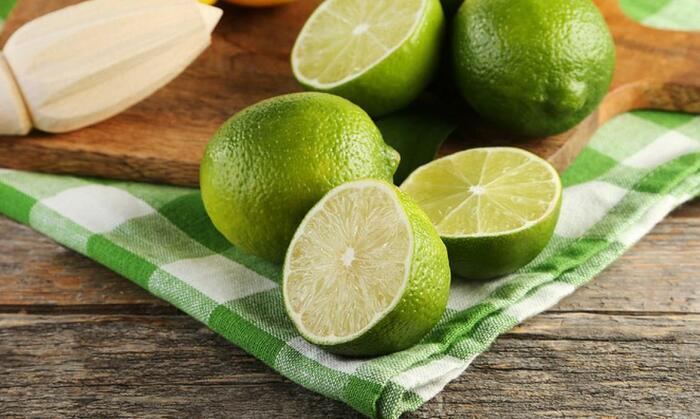 Особенно хорош этот совет для сохранения свежести лаймов. /Фото: diet-health.info