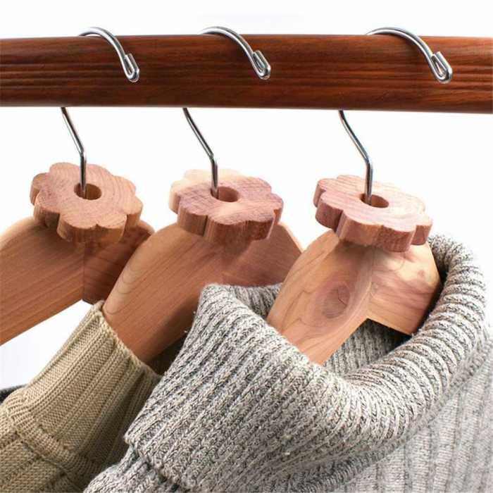 Деревянные вешалки — это не только красиво, но еще и полезно. /Фото: ae01.alicdn.com