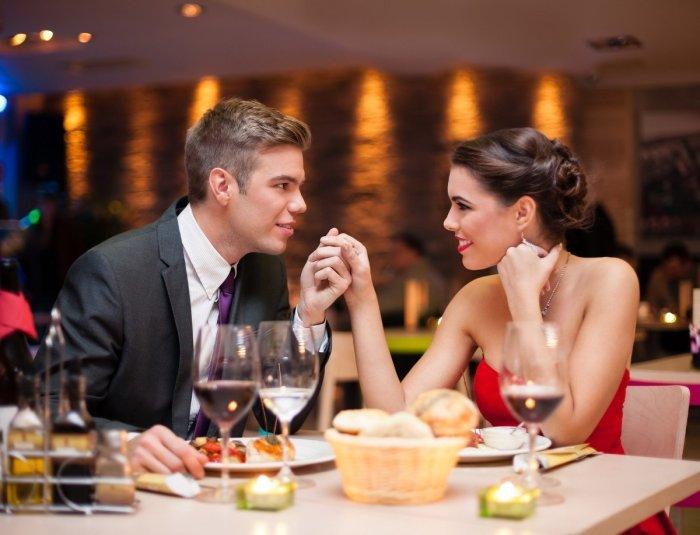 Мужчины — идеальные клиенты для ресторанов. /Фото: avatars.mds.yandex.net