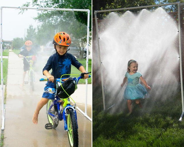 Душ – прекрасная летняя забава для детей.