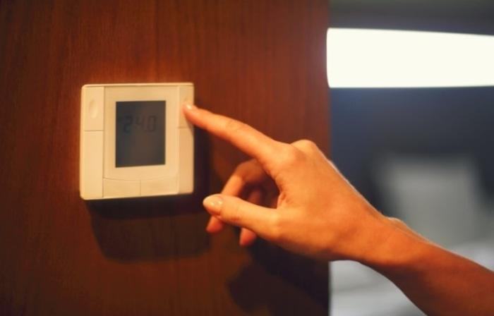 Термостаты в гостиницах. /Фото: pbs.twimg.com