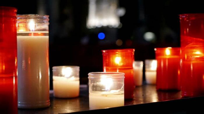 Свечи будут гореть дольше, если их хранить в холодильнике. /Фото: ak8.picdn.net