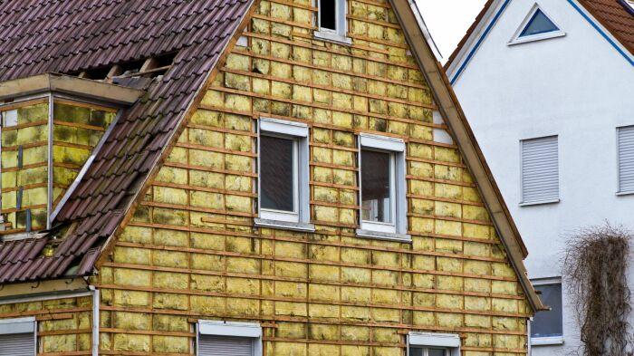 Правильно подобранный утеплитель сделает дом уютным. /Фото: accroche-toit.fr