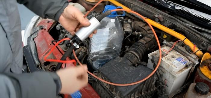 Заменить масло можно всего за 5 минут. /Фото: youtube.com