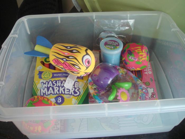 Наличие призовой коробки — это всегда отличная идея. /Фото: houseofhubbard.files.wordpress.com