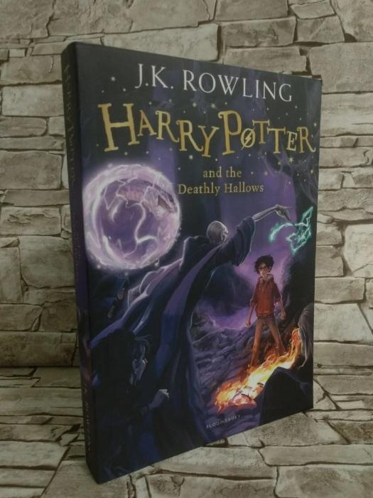 Книги «Гарри Поттер» одни из самых популярных в мире среди взрослых и детей. /Фото: images.ua.prom.st