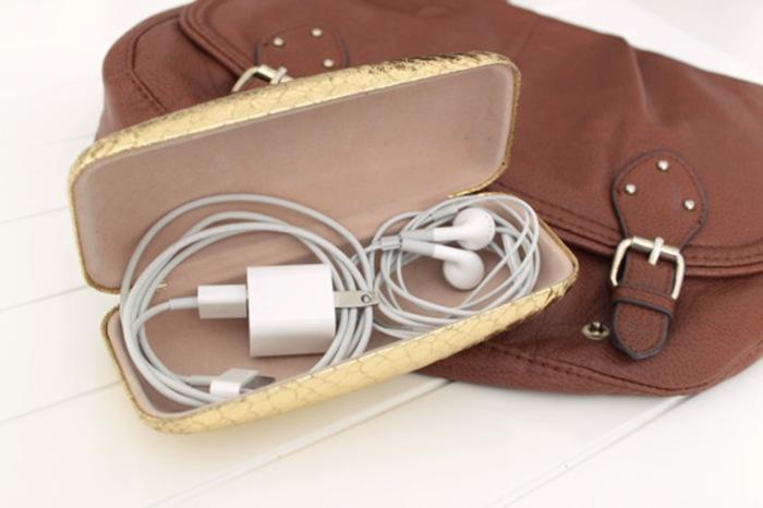 Такой способ намного лучше, чем просто так класть их в багаж. /Фото: 2.bp.blogspot.com