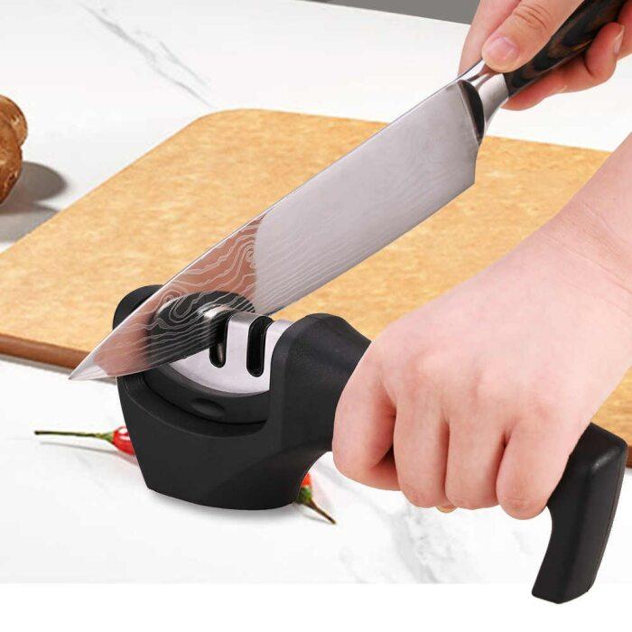 Продуманная конструкция с удобной ручкой облегчает затачивание. /Фото: ae01.alicdn.com