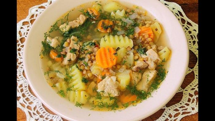 Мягкий рис и разваливающаяся паста — совершенно печальные дополнения для вкусного супа. /Фото: i.ytimg.com