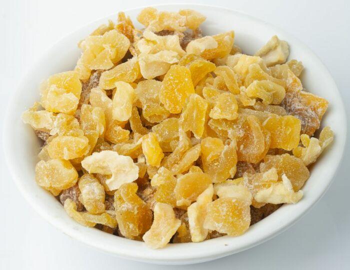 Не обязательно долго следить за медленным томлением цукатов, их можно приготовить быстро. /Фото: cdn.fermerstvo.net